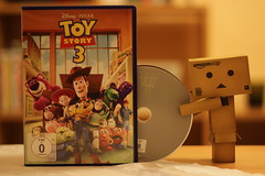 Day 040 (2) - Toy Story 3 (Banana Style) Tags: japan canon project germany movie toy toys photography photo dvd amazon foto toystory cd manga picture pic story figure carton 365 figurine bild digitalphoto figur projekt figuren yotsuba danbo 600d project365 revoltech danboard spielfigure