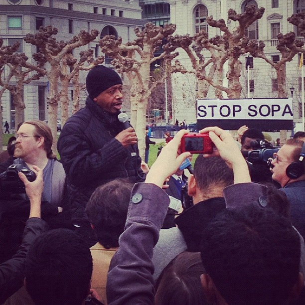 Now @MCHAMMER speaking #sopa