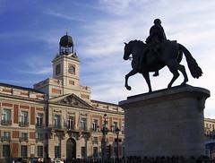 Puerta del Sol (Hugo Daz-Regan) Tags: madrid street city urban espaa sol spain ciudad urbano hugo diaz regaon hugodiazregaon