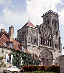 Basilica of Mary Magdalene, Vzelay, Burgundy, France (Grangeburn) Tags: france burgundy basilica marymagdalene catholicchurches vzelay