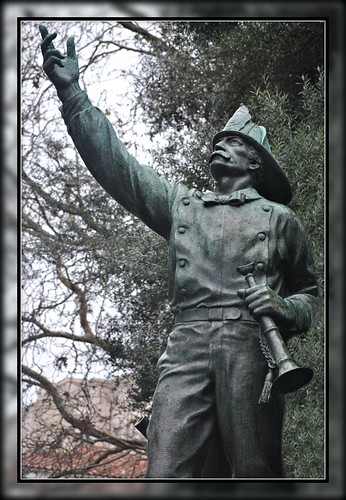 sanfrancisco california statue yahoo december washingtonsquare 2010 ravel volunteerfiredepartment lilliehitchcockcoit washingtonsquareparkcolumbusandfilbertsanfranciscocausa93113