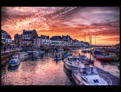 Coucher du soleil (Explored) (Kemoauc) Tags: sunset sky nikon brittany sonnenuntergang himmel bretagne hdr topaz d90 photomatix croisic nikond90 kemoauc