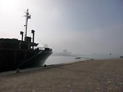 Rotterdam Quays (rob.brink) Tags: urban mist holland netherlands fog architecture de harbor boat spring rotterdam harbour nederland urbanism zuid
