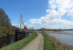 Crinan Canal (chessieboater) Tags: scotland canal puffer crinan vic32
