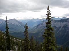 20090911_Ryan_in_Banff_0006.jpg (Ryan and Shannon Gutenkunst) Tags: canada hiking hike alberta banff mountrundle