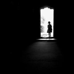 (Magdalena Roeseler) Tags: street people bw monochrome silhouette fineart streetphotography streetportrait sw strassenfotografie streettog