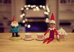 Elf on the Shelf, December 3rd (snippets_from_suburbia) Tags: elfontheshelf elfonashelf