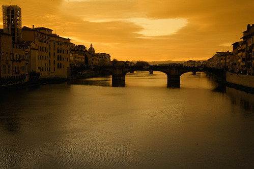 """Arno, Florence • <a style=""""font-size:0.8em;"""" href=""""http://www.flickr.com/photos/49106436@N00/6600345215/"""" target=""""_blank"""">View on Flickr</a>"""