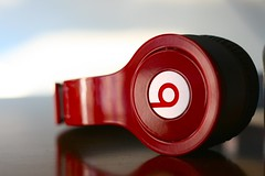 Beats by Dr dre Solo HD (Wenjing87) Tags: 50mm canonef50mmf18 product eos400d
