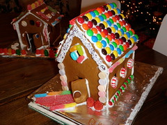 gingerbread house, M&M roof
