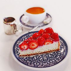 Stressed spelled backwards is desserts.  Coincidence?  I think not! (www.juliadavilalampe.com) Tags: light stilllife white cakes composition postre dessert deutschland cafe rojo essen strawberry sweet comida desserts eat getty alemania plato gettyimages dulces tortas frutillas chaulafanita juliadavila juliadavilalampe