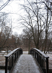 Bridge over Minehaha creek (cmykevin) Tags: bridge winter snow cold ice minnesota river frozen minneapolis minnehaha minnehahacreek