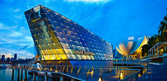 Marina Bay Sands Louis Vuitton (Kenny Teo (zoompict)) Tags: marina bay louis yahoo google getty sands vuitton louisvuitton marinabaypromenade marinabaysands crystalpavilion singaporelowerpiercereservoir