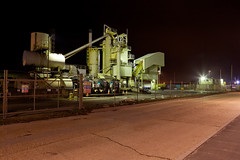 Processing Plant View 3 (Wil Wardle) Tags: industry night canon landscape photography lowlight industrial nocturnal heavy f28 hanson hansom nightonearth adobelightroom avaialblelight canonef2470mm 5dmk2 wilwardle ebphoto electriclightotherlightnocturnalnightlongslowexposure