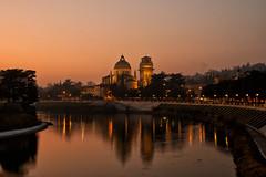 San Giorgio in Braida (Bruna Zavattiero) Tags: red panorama italia tramonto fiume chiesa verona tamron rosso riflesso adige d300 2875 lungadige