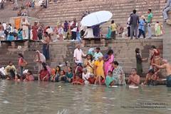 Varanasi inicia su actividad (Sociedad Geográfica de las Indias) Tags: travel viaje india asia varanasi ganga ganges ghats benarés sociedadgeográficadelasindias
