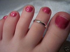 (Tellerite) Tags: feet toes barefeet toering beautifulfeet prettytoes sexytoes toenailpolish sweetfeet prettyfeet sexyfeet girlsfeet femalefeet redtoenailpolish teenfeet femaletoes candidfeet beautifultoes polishedtoenails younggirlsfeet youngfeet baretoes girlstoes girlsbarefeet teentoes teenagefeet teenagetoes teengirlsfeet girlsbarefoot youngfemalefeet candidtoes youngfemaletoes