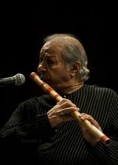 Music in the Air (Mad Physics Guy with a Camera) Tags: india concert tata institute research mumbai hari prasad tifr fundamental indianclassicalmusic bansuri chaurasia hariprasadchaurasia