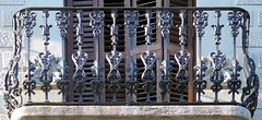 Barcelona - Rossell 295 b 2 (Arnim Schulz) Tags: barcelona espaa art architecture fence liberty spain arquitectura iron arte kunst catalonia artnouveau castiron gaud architektur catalunya espagne modernismo forged catalua spanien modernisme fer jugendstil wrought ferro eisen hierro espanya katalonien stilefloreale belleepoque baukunst gusseisen schmiedeeisen ferronnerie forjado forg detalhesemferro ferdefonte