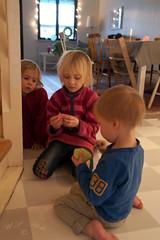 Alva & Ella & Axel (atranswe) Tags: lund alva skåne friend sweden ella grandchildren axel sverige atranswe dsc9874