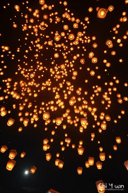 2012平溪天燈節-千燈25.jpg