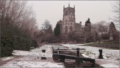 St Marys Church. Kidderminster (Rob-33) Tags: ice church water canal churches worcestershire stmaryschurch kidderminster canallock fujiav220