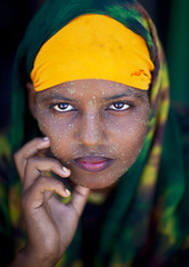 Berbera beauty - Somaliland (Eric Lafforgue) Tags: africa portrait woman color cute girl beautiful beauty face vertical outdoors photo women pretty exterior veil muslim islam cream hijab barbara photograph afrika somali care cosmetics protection moisture somalia islamic concerned somaliland afrique hornofafrica berbera onepersononly 1819years lookingatcamera 4070 somalie africanethnicity britishsomaliland somali 2024years   szomlia   blackethnicity soomaaliland teenagegirlsonly qasil  berberabarbara