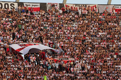 River vs. Central IV (peretti) Tags: soccer afa ftbol footbal calcio riverplate ascenso millonario canalla estadiomonumental rosariocentral cavenaghi canon7d fecha16 bnacional ascensoargentino fedeperetti choridomnguez