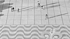 long, long shadows. (UnprobableView) Tags: monument rio river monumento lisboa lisbon lissabon tejo tagus passeio portuguesa lisbonne lisbona calada discoveries belm descobrimentos unprobableview manuelmiragodinho