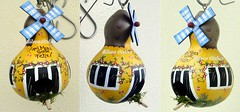 casinha amarela (BILUCA ATELIER) Tags: gourds bees ladybugs cabaas pinturacountry porongos homebirds biluca casinhasdepassarinho
