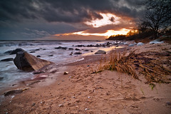 Skne, Sweden, Svarte Beach (MagnusL3D) Tags: ocean winter sunset sky seascape beach stone clouds landscape skne sand nikon rocks waves sweden stones skane oceanandsky svarte d700 distagont2821 mygearandme mygearandmepremium mygearandmebronze mygearandmesilver mygearandmegold mygearandmeplatinum sknebeach sknenature