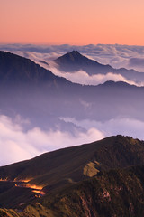 (samyaoo) Tags: park longexposure sunset sea mist tree fog clouds nationalpark taiwan  national    seaofclouds tarokonationalpark nantou      hehuanshan    3416m hehuanmountains