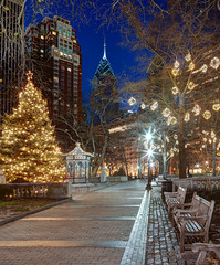 Happy Holidays 2011 (ADW44) Tags: park christmas philadelphia lights holidays centercity philly bluehour rittenhousesquare gitzo rrs cityofbrotherlylove 2470 onelibertyplace canon5dmarkii