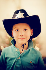 Holly-Woody (bumbii) Tags: xmas boy portrait hat 50mm prime kid bokeh woody sheriff canonef50mmf14usm kuku canoneos5dmarkii 5dmarkii 5dmkii 5dmk2 5dmark2