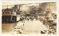 Loading food on the Ohio (suemon123) Tags: mississippi louisiana flood mississippiriver 1927 vintagephoto mississippiflood1927 natchezflood