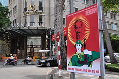Communist vs bourgeois (yuyu418) Tags: city asia southeastasia vietnam communist communism viet bourgeois peninsula saigon hochiminhcity capitalist hcmc hochiminh southvietnam