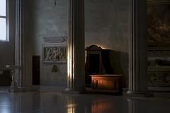 Luce, #2 (Paolo Bosco) Tags: light italy rome roma san italia pentax interior perspective it 55mm column 18 55 smc interno pietro colonne colonna prospettiva rm vincoli k20d