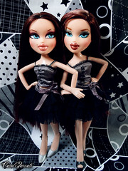 Rose and Lana - Audition for BRATZ NEXT TWIINZ TOP MODELS CYCLE 4 (Carol Parvati ) Tags: lana rose doll campfire phoebe babysitter bratz carolparvati