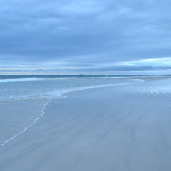 Thistle Cove (lileepod) Tags: beach nature water rock clouds coast sand rocks surf waves surfer wave australia 4wd beaches wa whitesand westernaustralia darkclouds esperance greatoceandrive capelegrand