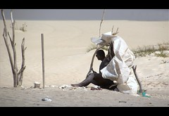 Il Nomade (mario bellavite) Tags: people beach bug sand candid dune best fotografia tenda deserto sabbia boavista nomade capoverde bestportraits bellavite mariobellavite