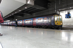 319429, St Pancras International (Howard_Pulling) Tags: pictures winter london station train canon fcc photo december gare photos picture zug bahnhof trains international bahn stpancras thameslink g12 319 2011 firstcapitalconnect class319 brightontrip hpulling howardpulling 319429 canong12