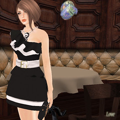 Dinner at 7 a (lovesimondsen) Tags: glow dress secondlife clutch gforce modish fashionblog fashism slfashion amarelomanga secondlifeskin groupgift elikatira lovesimondsen hluzza
