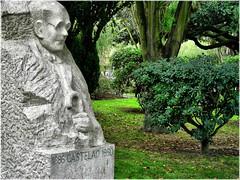 2435-Castelao na Coruña (jl.cernadas) Tags: españa spain coruña europa europe esculturas galicia galiza pedra sculptures piedra acoruña lacoruña galice