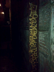 (THE HOLD UP) Tags: graffiti alley beef 99 burner abhor puzl puzle