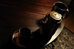 Day 17/366 : Gravity (hidesax) Tags: light brown cup coffee japan ceramic table nikon artist saitama nikkor server ageo d5000 nikkor2470mmf28ged hidesax nikond5000 creative366project day17366gravity