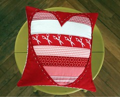 Quilted Heart Valentine Pillow (maureencracknell) Tags: pink red white sewing pillow quilted tutorial valentinesday