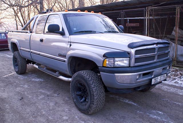 diesel turbo dodge ram cummins 2500 24valve isb i6