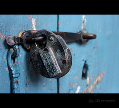 close the lock ... (W Mello) Tags: macro peru arequipa mosteiro cadeado mosteirodsantacatalina