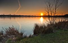 Frozen Sunset III (lighthunter09) Tags: uk light sunset sun lake horizontal evening warm miltonkeynes unitedkingdom buckinghamshire shore furzton