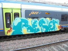 035 (en-ri) Tags: verde train writing torino graffiti giallo rosso galadriel reser